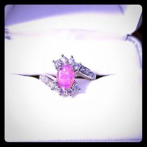 Jewelry - ❤Beautiful pink opal ring😍